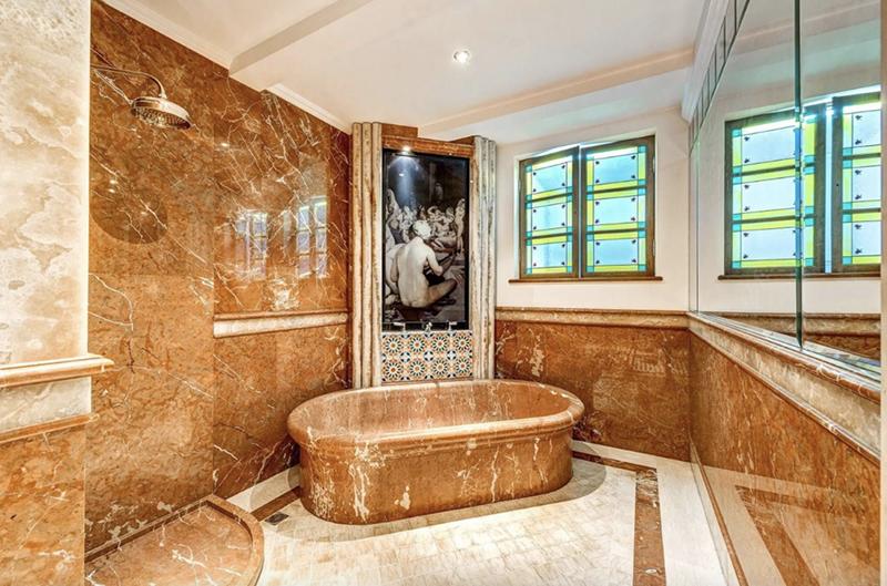 baño de la mansion