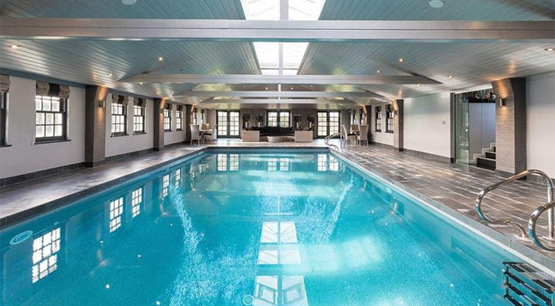 piscina mansion  Gareth Barry
