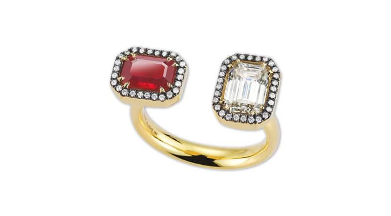 anillo con rubi