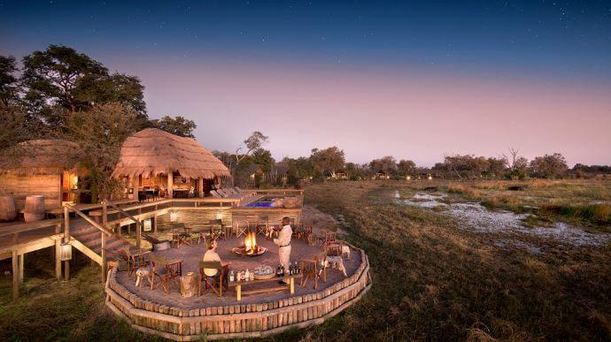 terraza hotel Sable Alley en Khwai (Botswana)